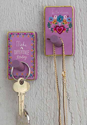 Make a difference Wooden Wall Hook Set