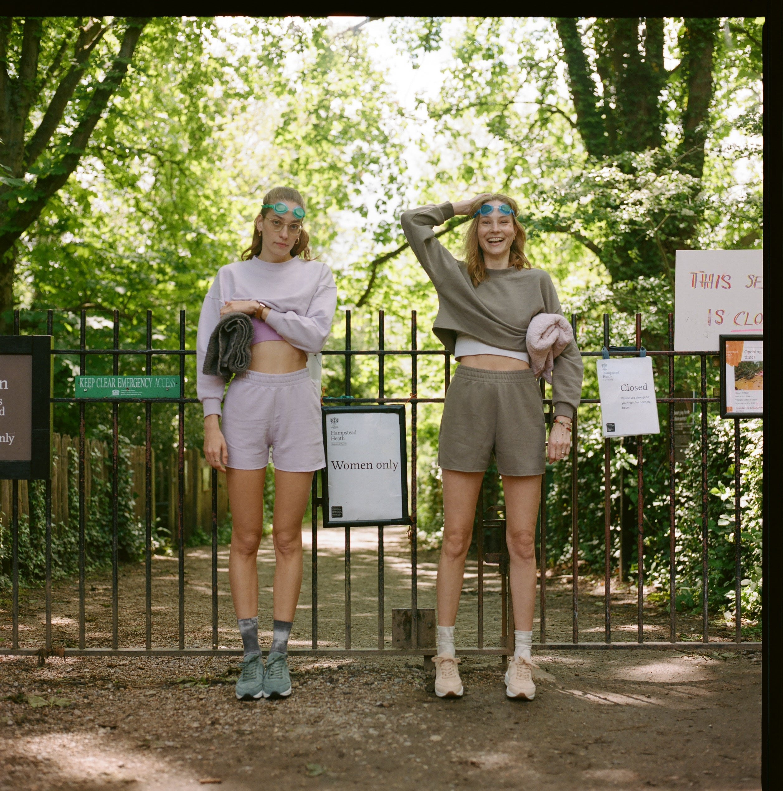Roscomar Citizens: Female Narratives in Court Sneakers