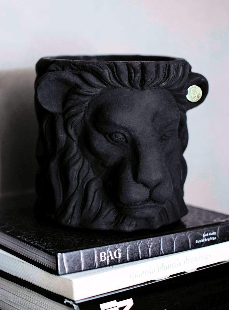 BLACK / SMALL GARDEN GLORY LION POT
