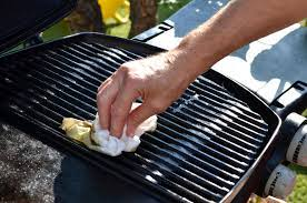 Hand cleaning grill