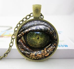 HZ--A559   Handcrafted Pendant Necklace Reptile Eye Jewelry Glass Cabochon Game of thrones Dragon Eye Necklace HZ1