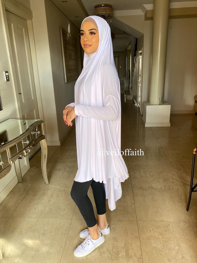 WHITE JILBAB WITH SLEEVES