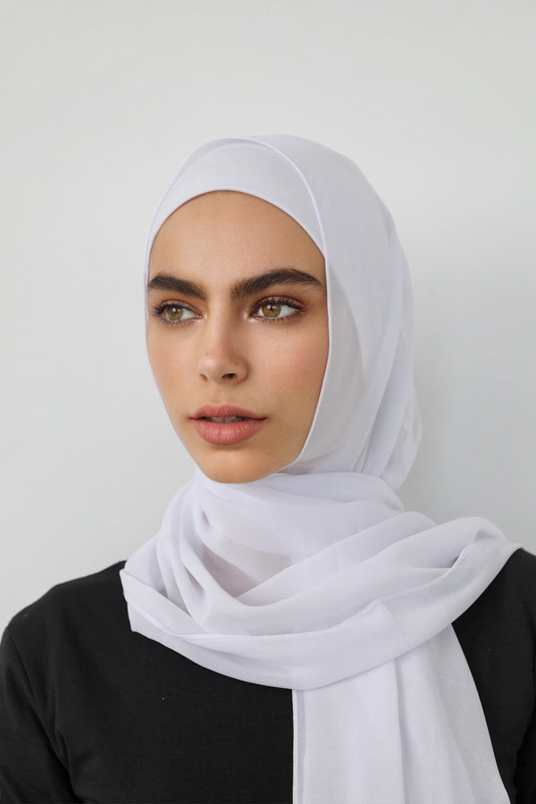 WHITE CREPE SCARF