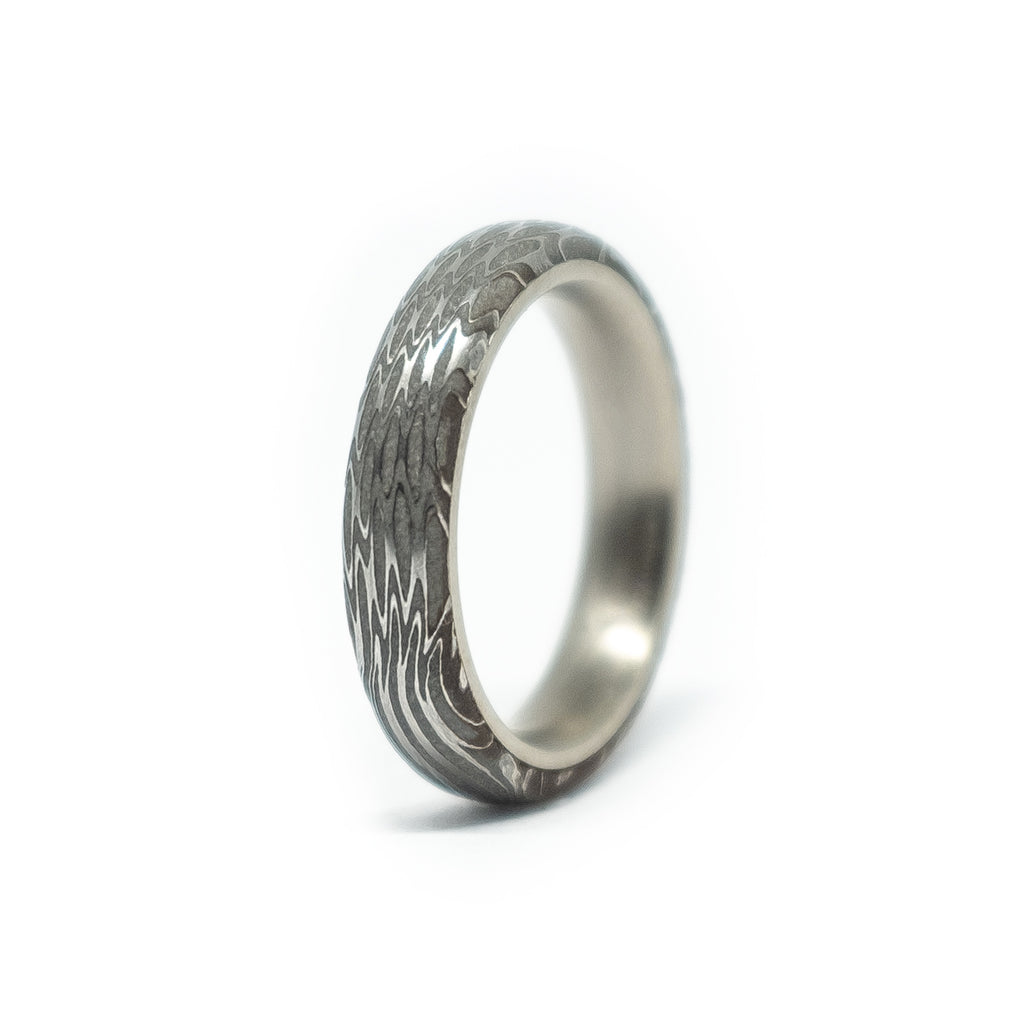 #008 CURIOUS MADE RING