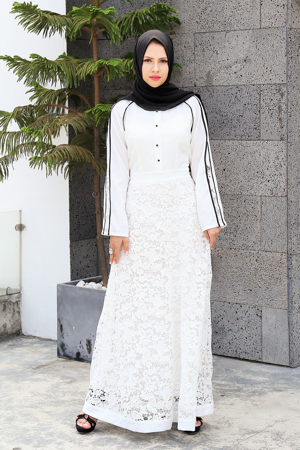 Elegant Lace Gown - White