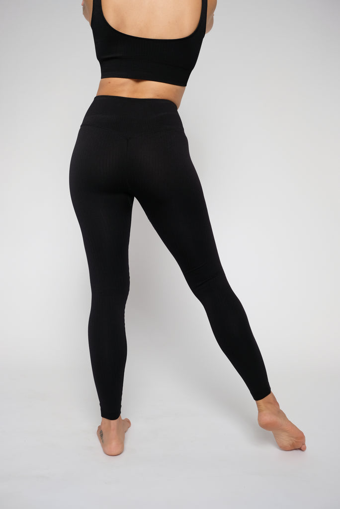 RECHARGED RIBBED LEGGINGS