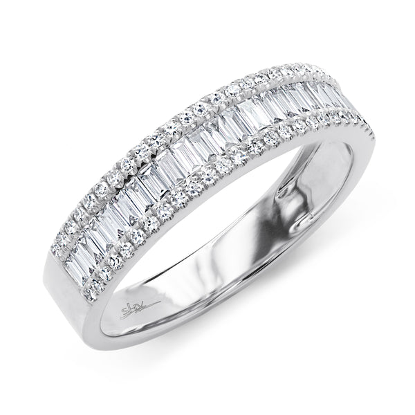 Gorgeous Baguettes and Rounds Diamond Wedding Band