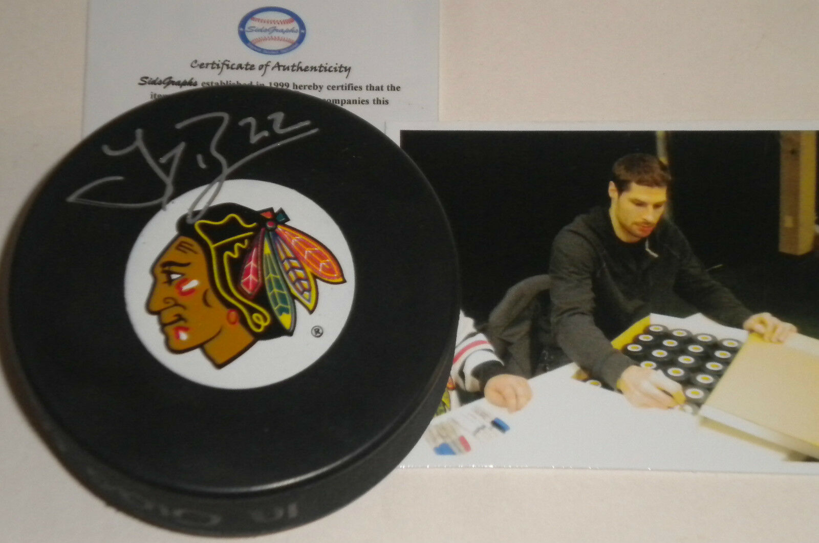 Troy Brouwer Chicago Blackhawks Autographed Signed Puck