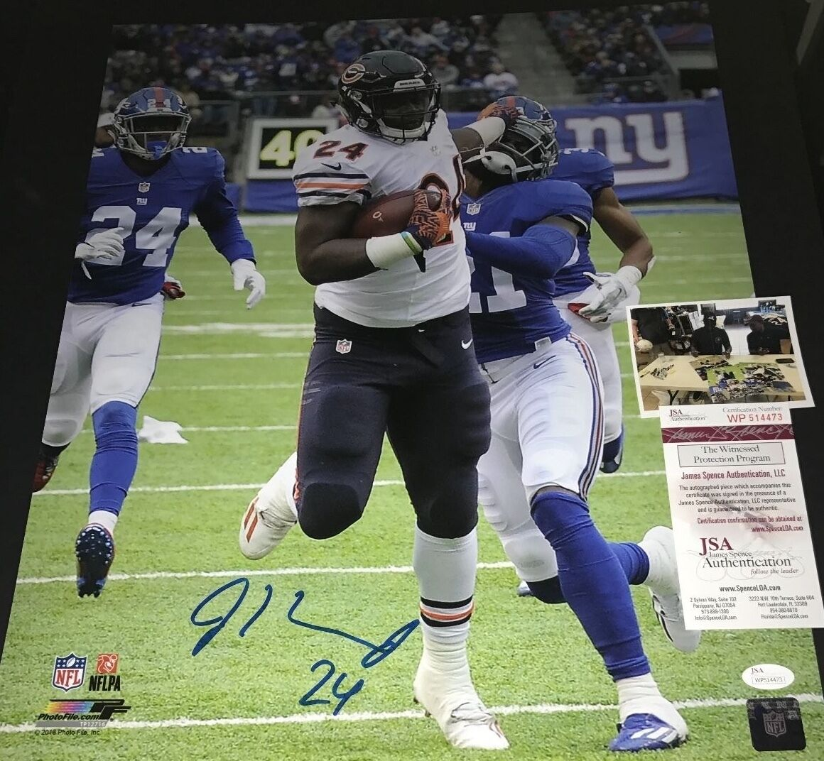 Jordan Howard Chicago Bears Autographed Signed 16x20 JSA WITNESS COA White
