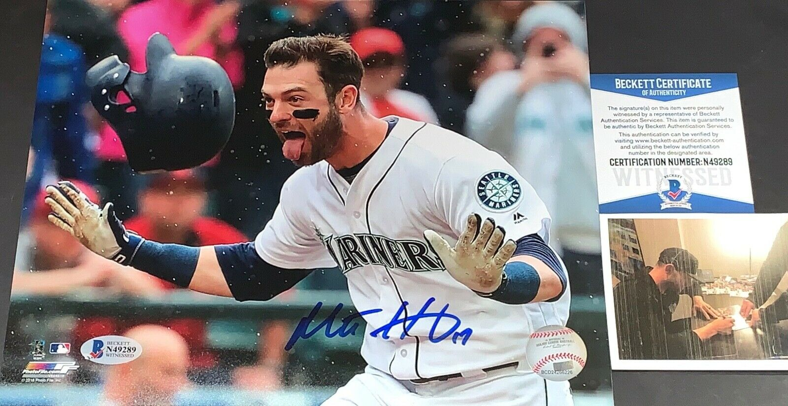 Mitch Haniger Mariners Autographed Signed 8x10 Photo Beckett WITNESS COA HR