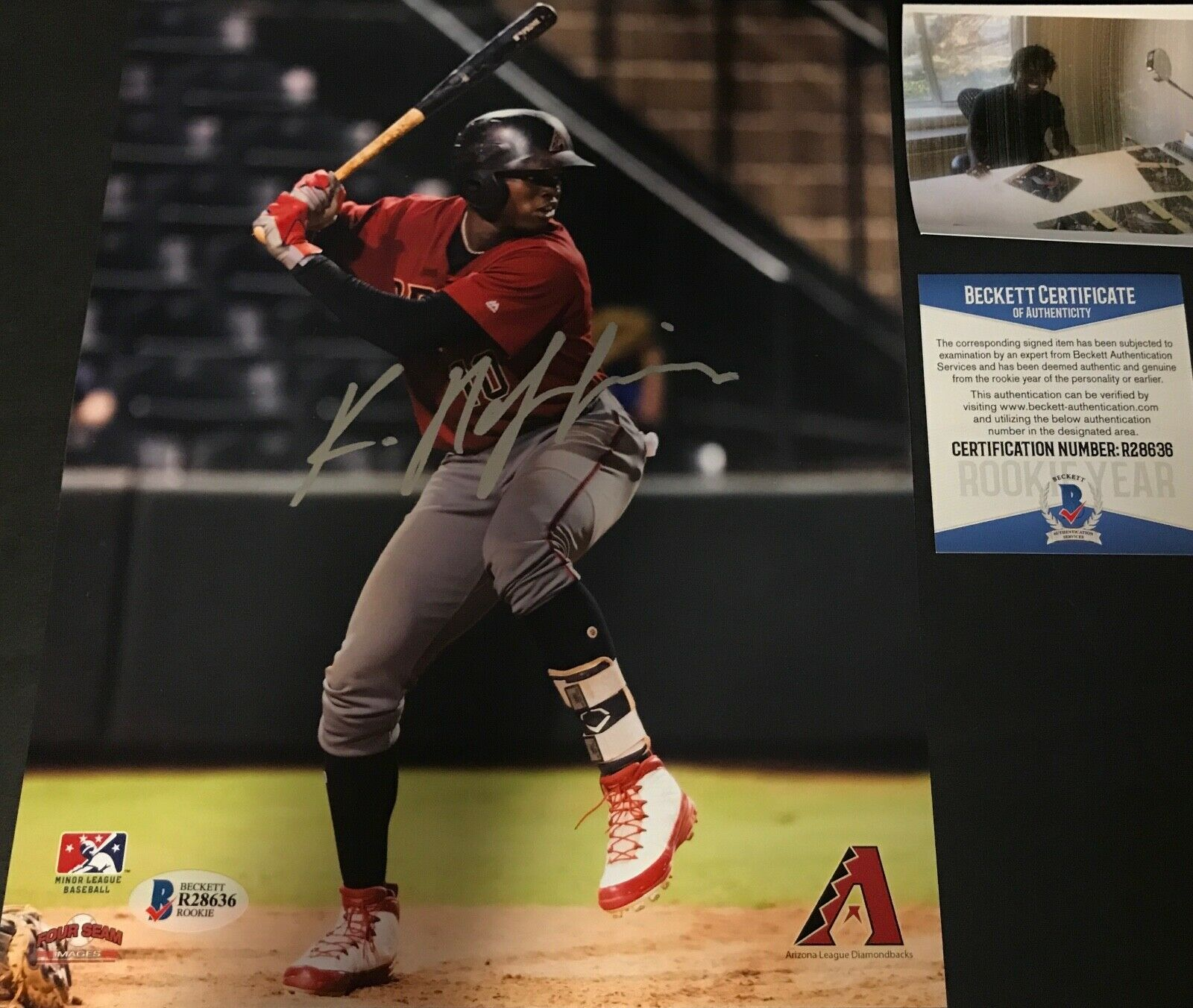 Kristian Robinson Arizona Diamondbacks Signed 8x10 Photo BECKETT ROOKIE COA