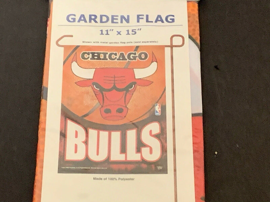 "Chicago Bulls 11"" X 15"" Garden Flag FREE SHIPPING U.S.A. MADE!"