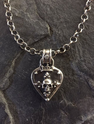 Necklace - Guitar Pick w Skull