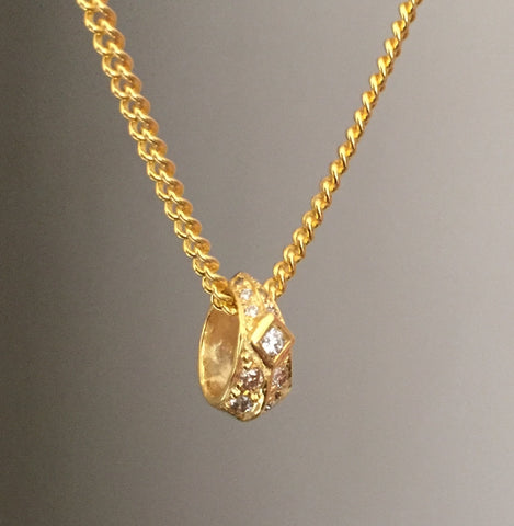 Necklace - Golden Diamond Roundel