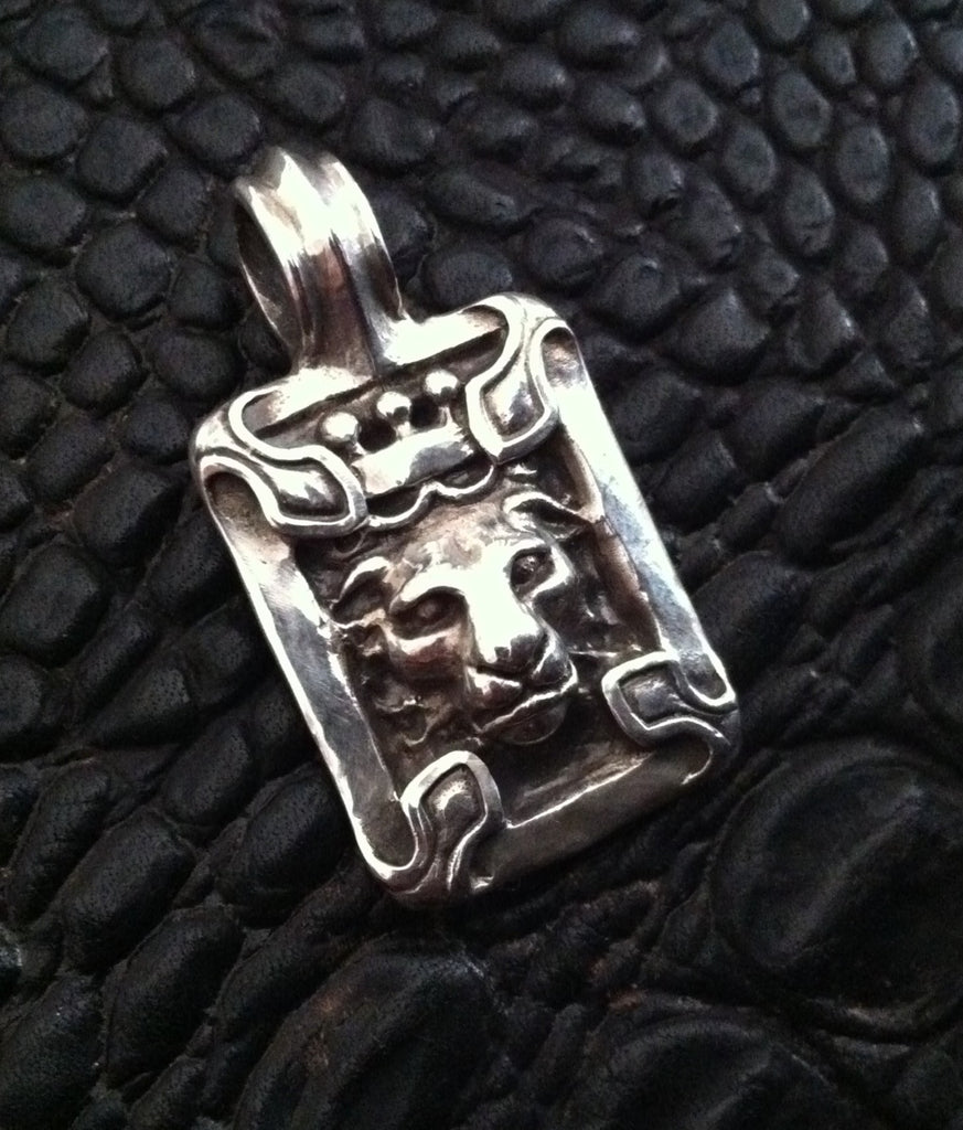 Sterling Silver Crowned Lion Head Pendant