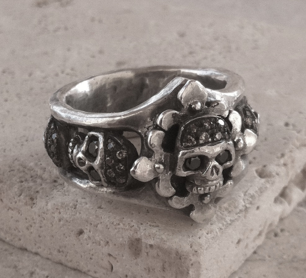Sterling silver Five Skull Ring with Champagne & Black Diamond Pave