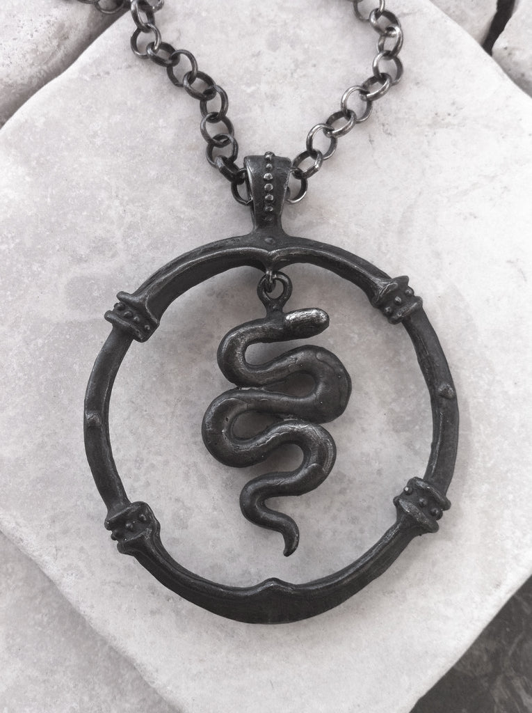 Necklace Sterling Silver Snake In Frame