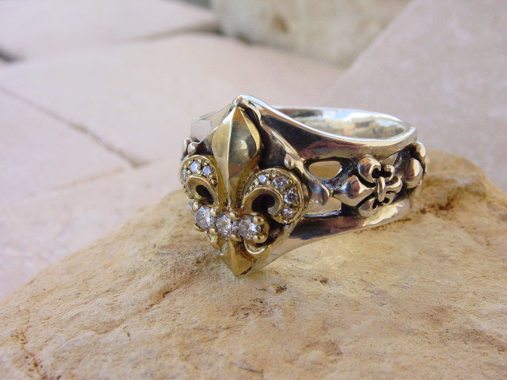 Sterling Silver Ring with 18k Gold Fleur de Lis & Diamond Pave