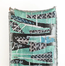 Load image into Gallery viewer, Tiebele Woven Throw