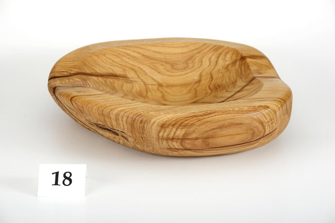 Oak bowl no. 18