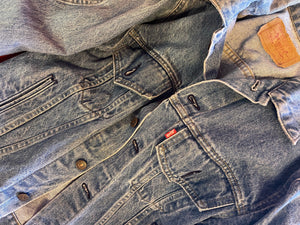 Levi's light wash