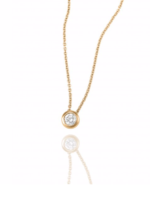 Diamond pendant necklace in gold