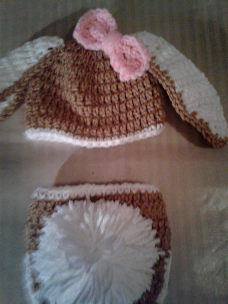 Crochet tan and white bunny diaper set with bow