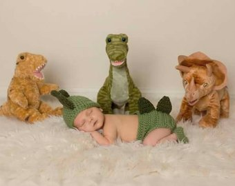 Dinosaur newborn crochet set