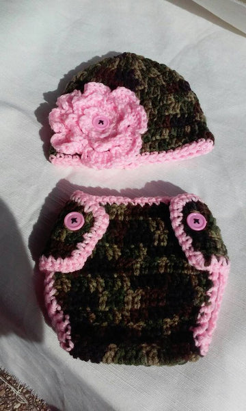 Camouflage newborn set with pink flower