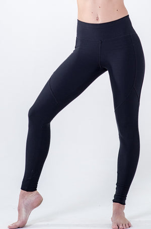 black panelled legging with back pocket in waistband