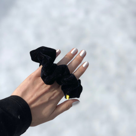'IN SPADES' BLACK VELVET SCRUNCHIE