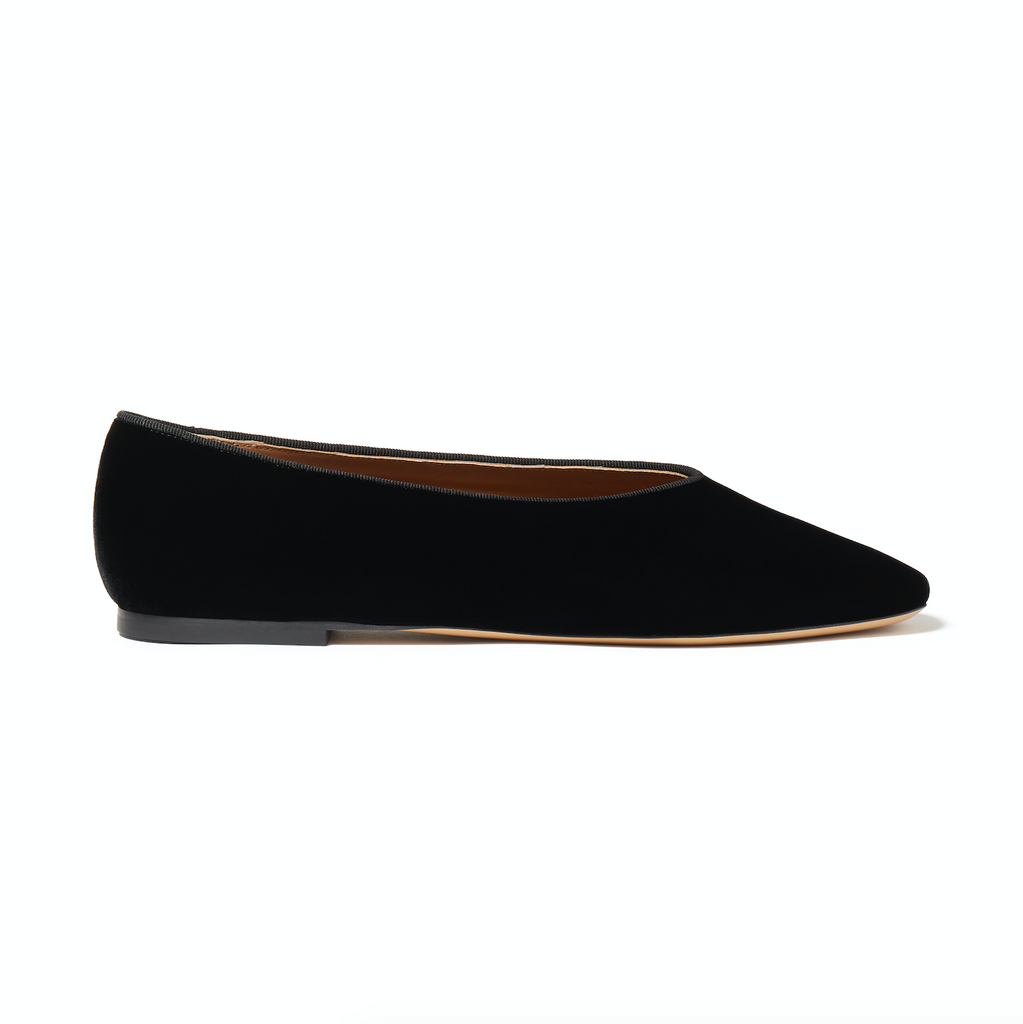 Le Monde Beryl Black Velvet Regency Slipper