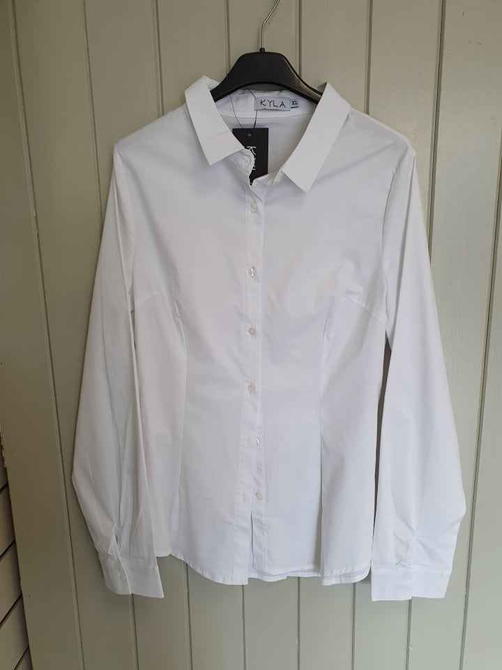 Long sleeve crisp white Shirt
