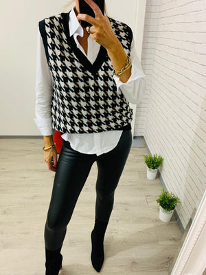 Houndstooth V Neck Sleeveless Knit in Black or Brown