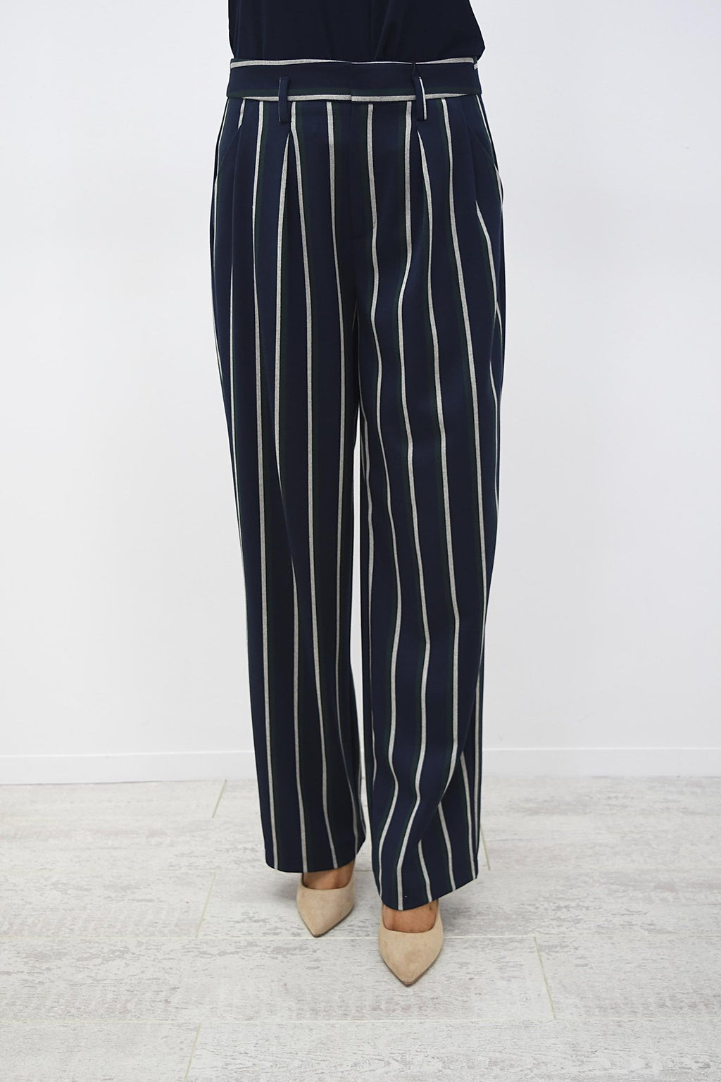 CRO Box Wide pants Navy Stripe