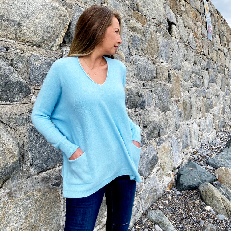 Deck by Decollage V Neck Knit with Pockets - Sky blue