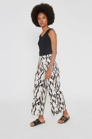 BLACK FEATHER PRINT TROUSERS WILD PONY