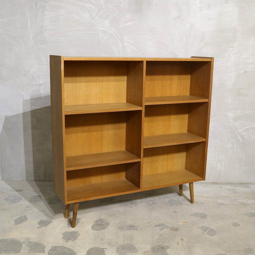 Poul Hundevad - Shelf