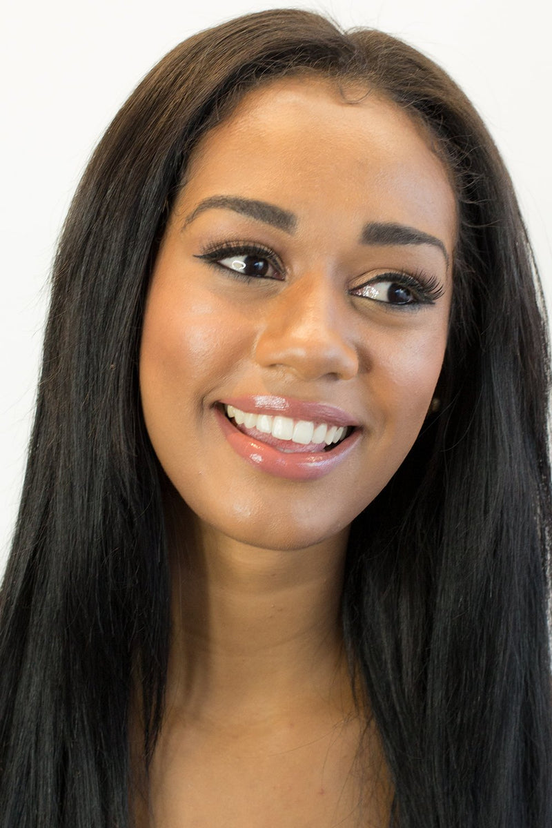Model wearing Vasanti Liquid Cover Up - Foundation and Concealer in 1 Shade V12