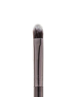 Vasanti Stubby Brush Line Eyeshadow 603 - Closeup brush head front shot