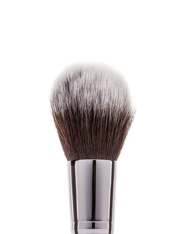 Vasanti Stubby Fluff Brush - Closeup brush head front shot