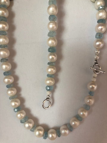 AQUAMARINE AND PEARL BRACELET