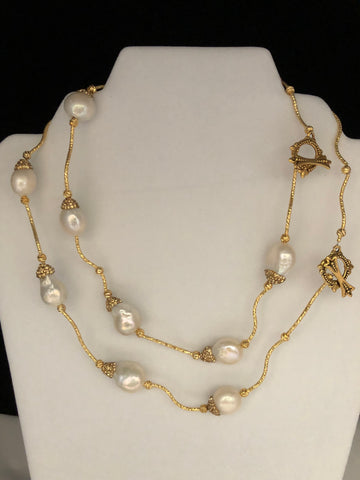 LARGE BAROQUE PEARLS WITH GOLD BRILLIANTS