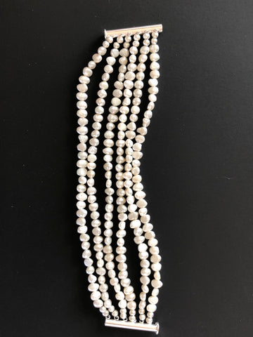 6 STRANDS OF FRESHWATER PEARLS