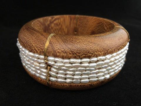 PEARL AND WOOD BRACELET