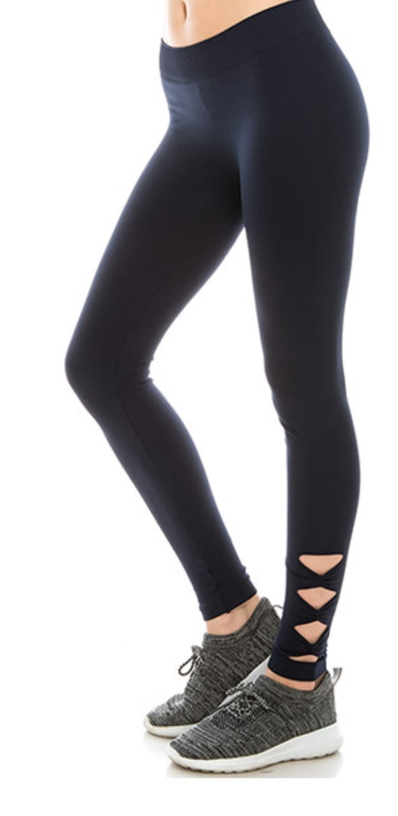 X-out black leggings