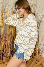 Load image into Gallery viewer, RC- Zebra Brushed LS V-Neck Top