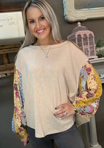 SL- Easel Print Mix Bubble Sleeve Taupe Top
