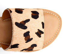 Load image into Gallery viewer, Matisse Cabana Leopard Slides