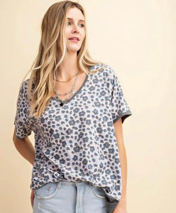 SL- Blue/Gray Cheetah V-neck Top
